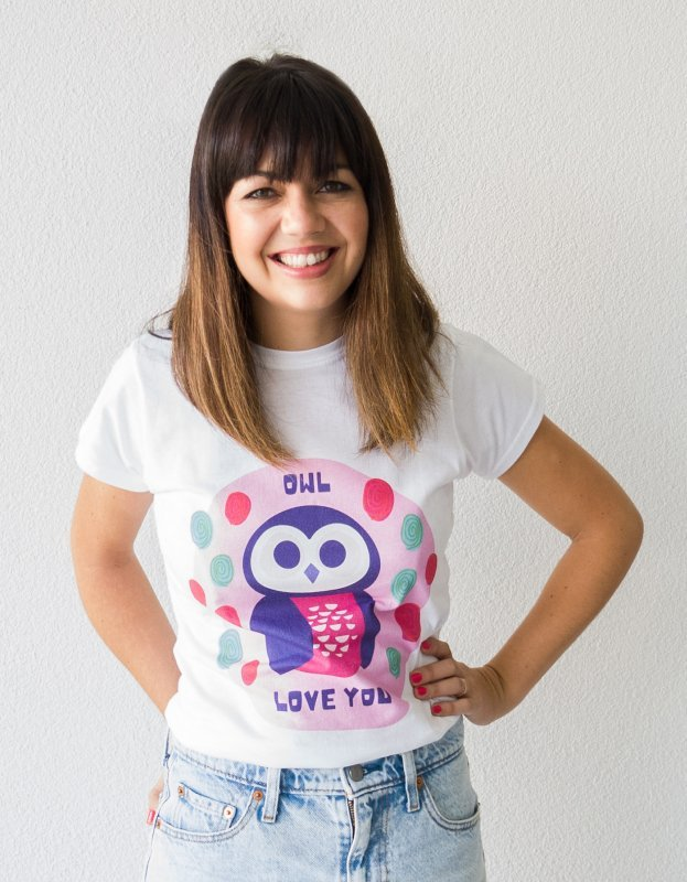 Photo of woman with cute owl illustration T-Shirt