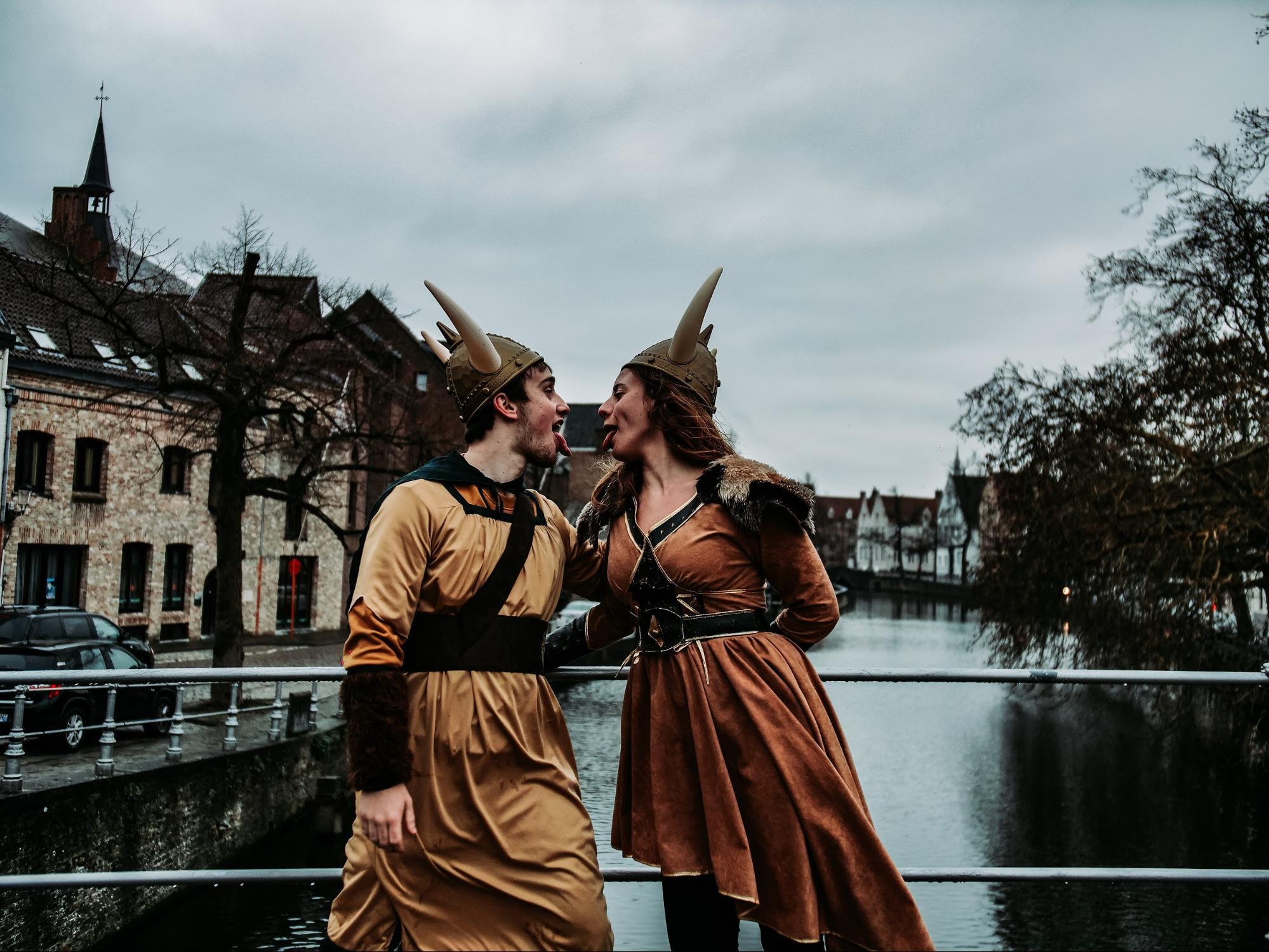 40 ideas de poses para fotos de parejas enamoradas