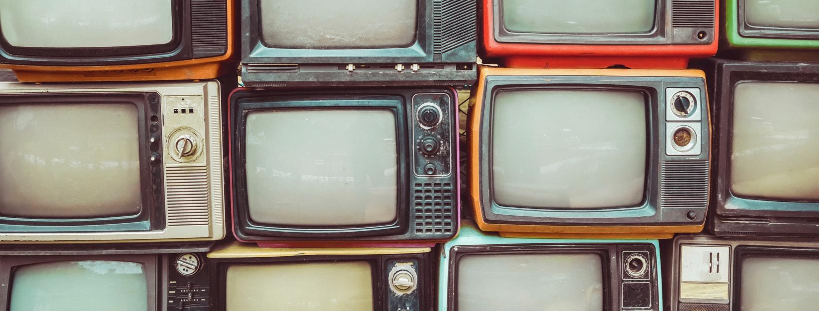Gestapelte Retro-Fernseher