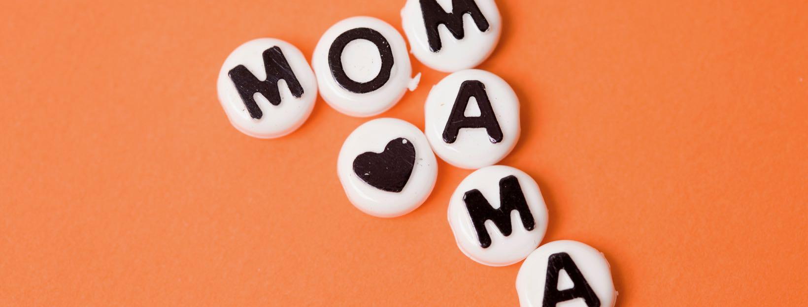 Mom- & Mama-Schriftzug: Muttertagskarte gestalten und ausdrucken