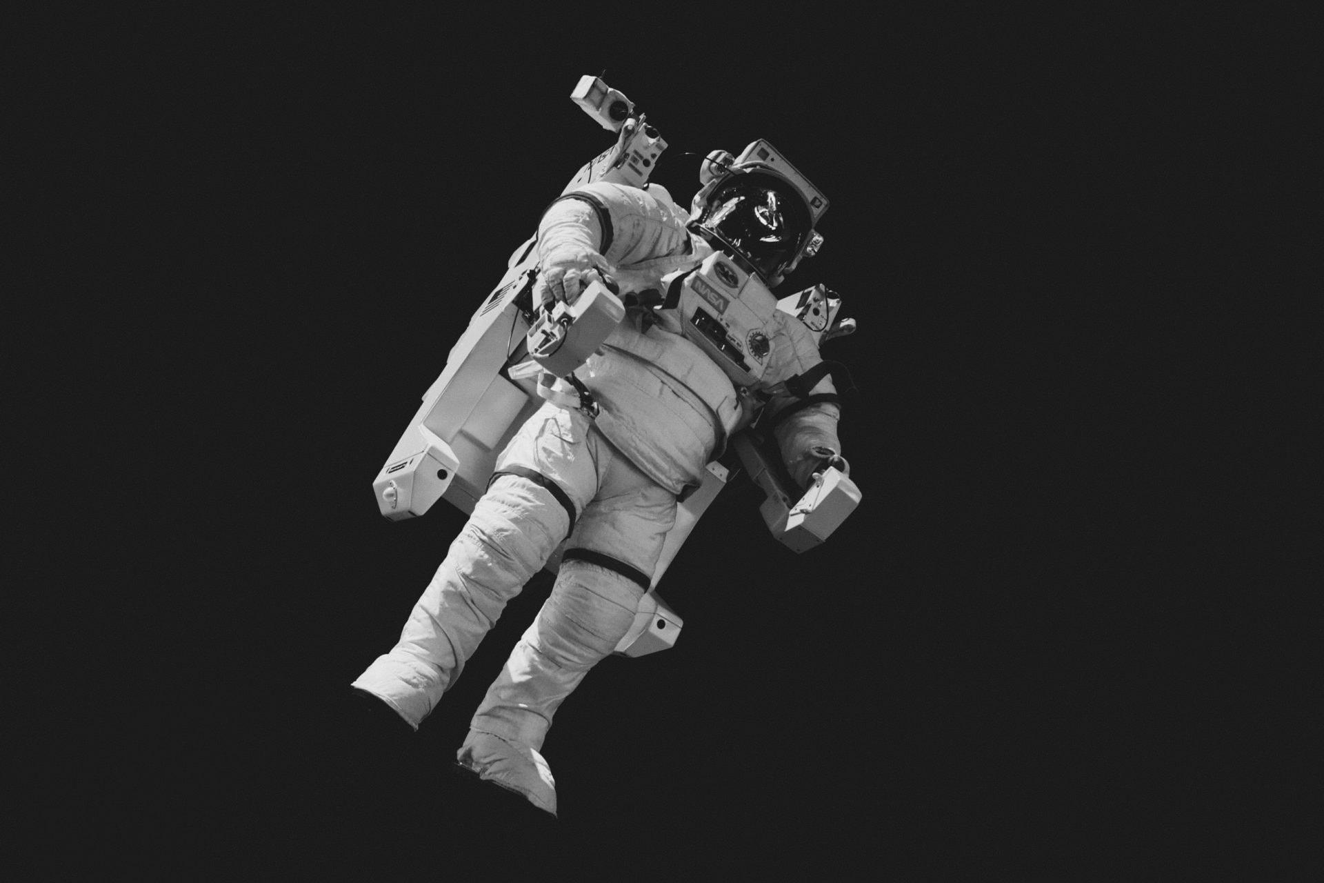 день космонавтики баннер