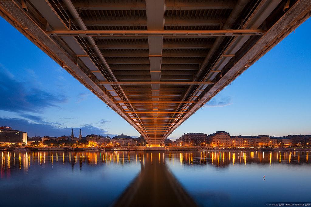 © Elisabeth Bridge por Miroslav Petrasko - licencia CC