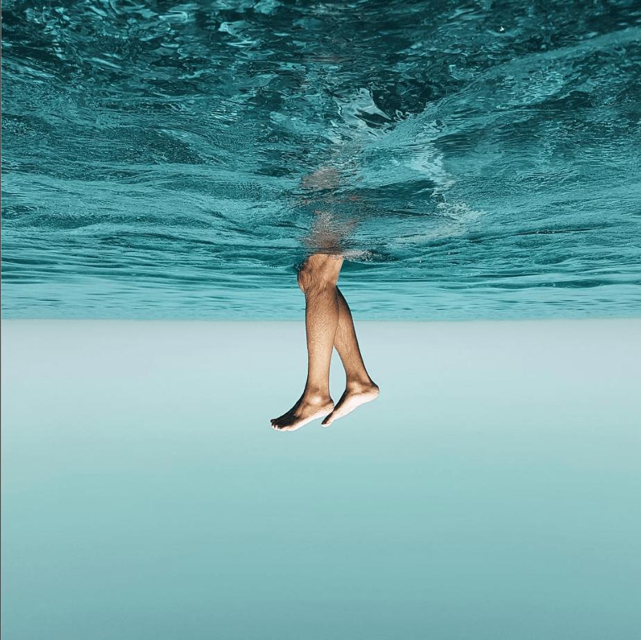 Pies fuera del agua