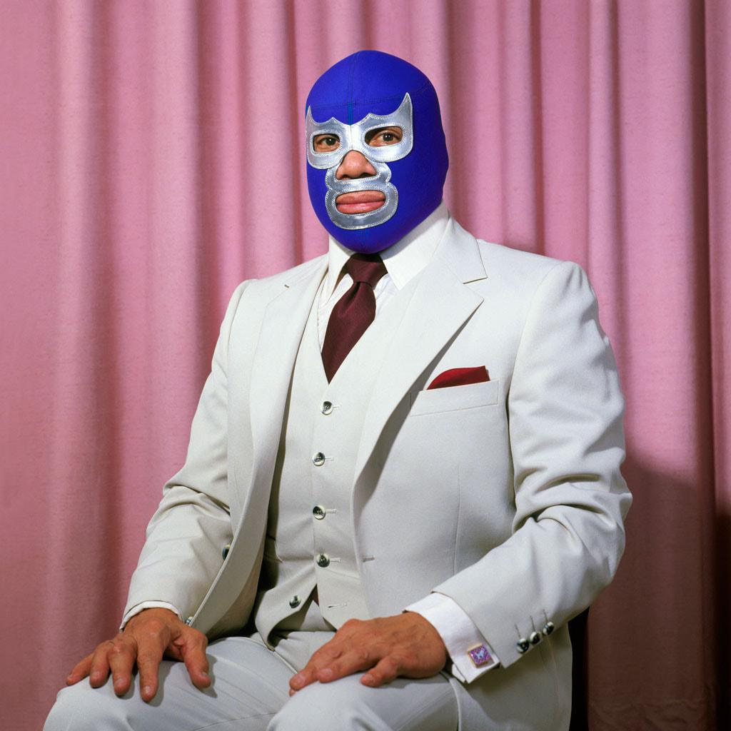 Retrato de Blue Demon, por Lourdes Grobet