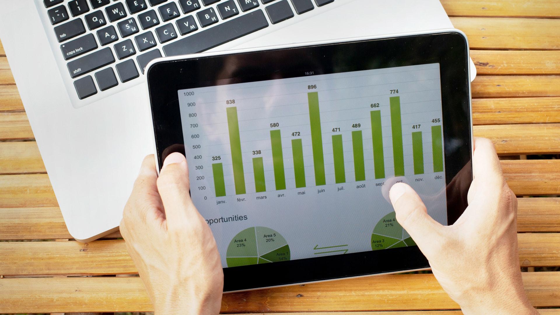 Infografía en tablet