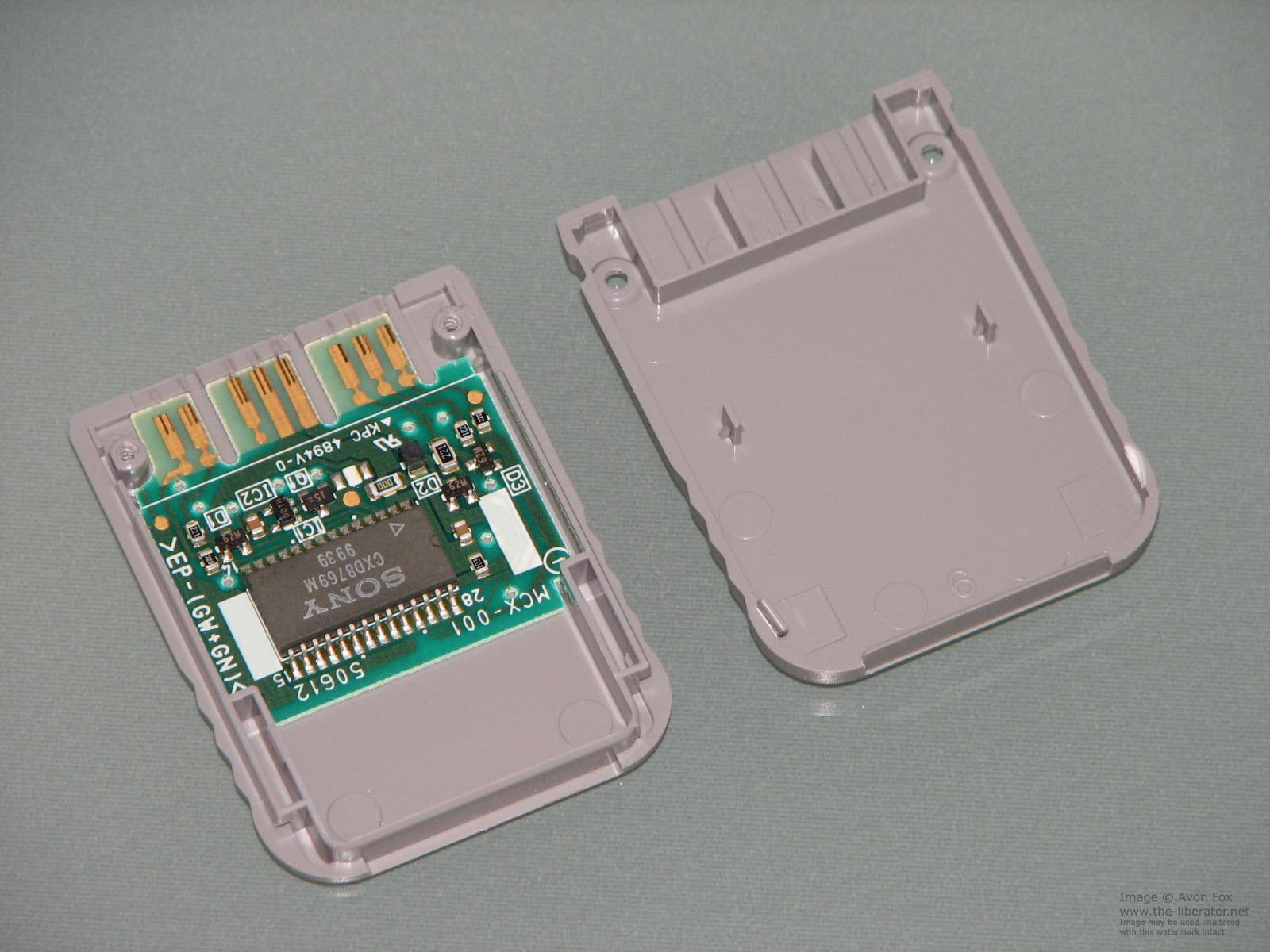 Interior de una tarjeta SD