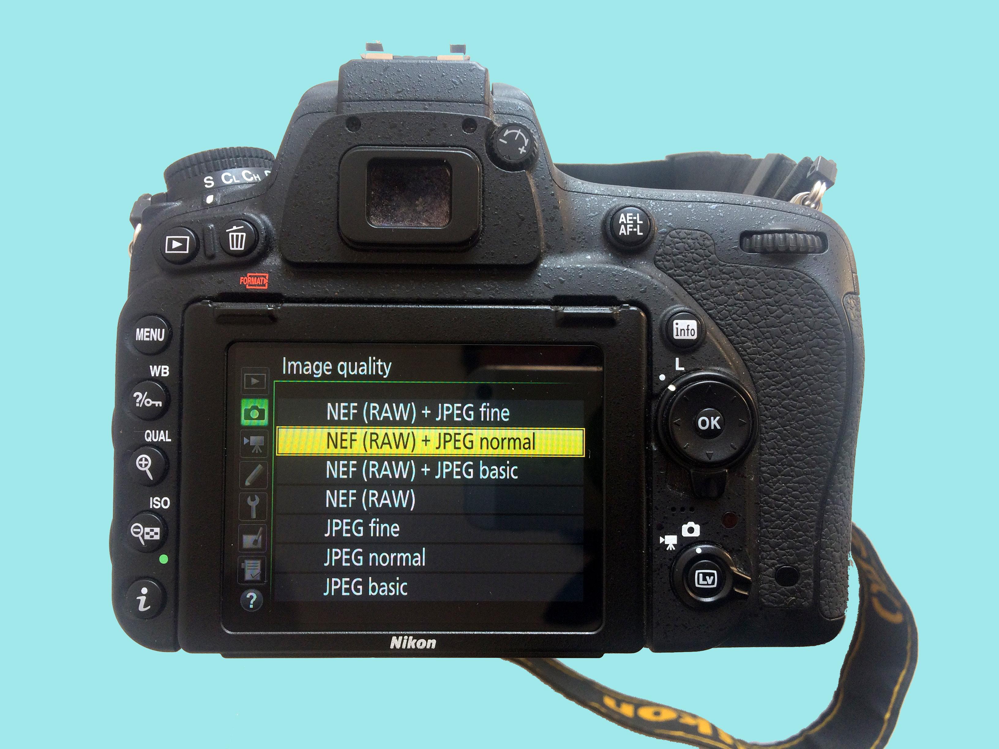 RAW y JPG son los formatos que puedes escoger en tu cámara digital