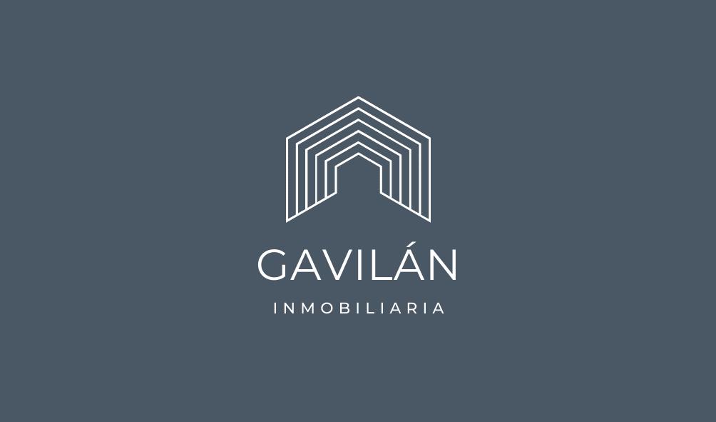 Tarjeta de presentación de bienes raíces minimalista simple en blanco y gris