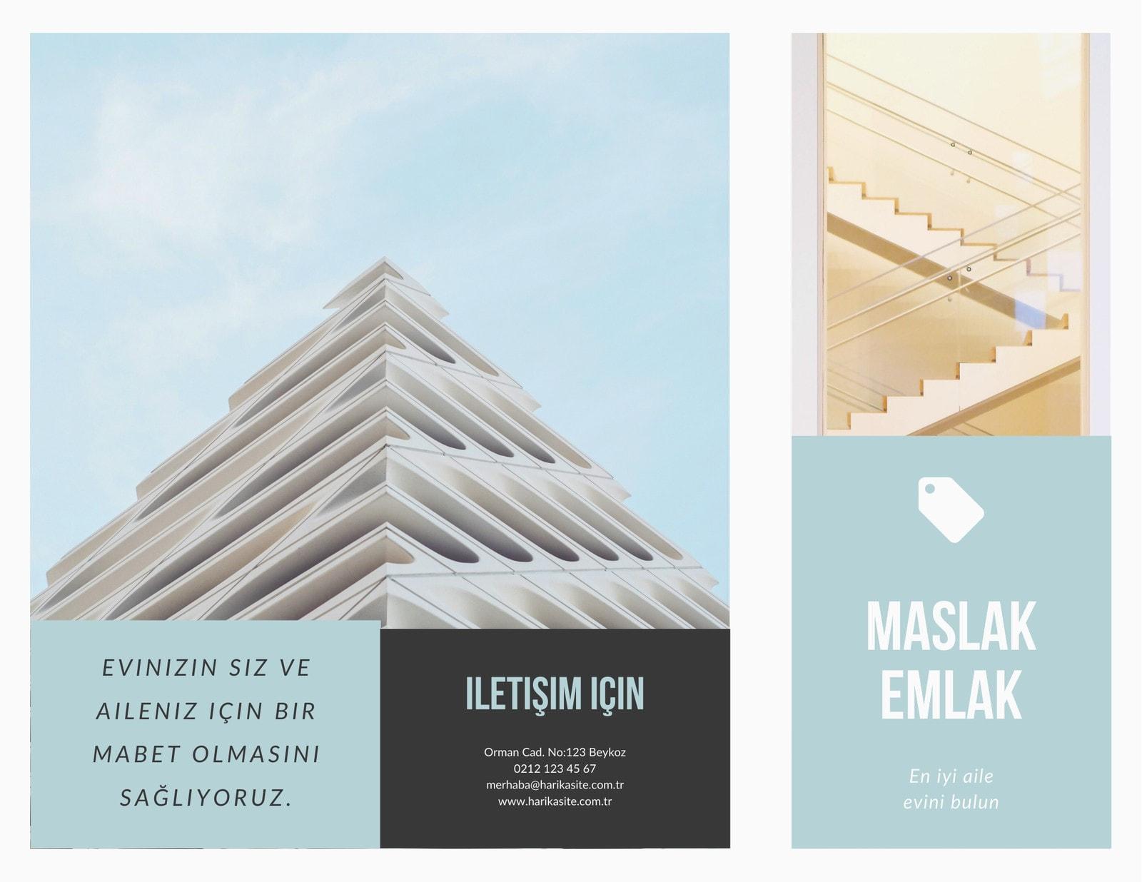 Mavi ve Beyaz Minimalist Emlak Üç Katlı Broşür