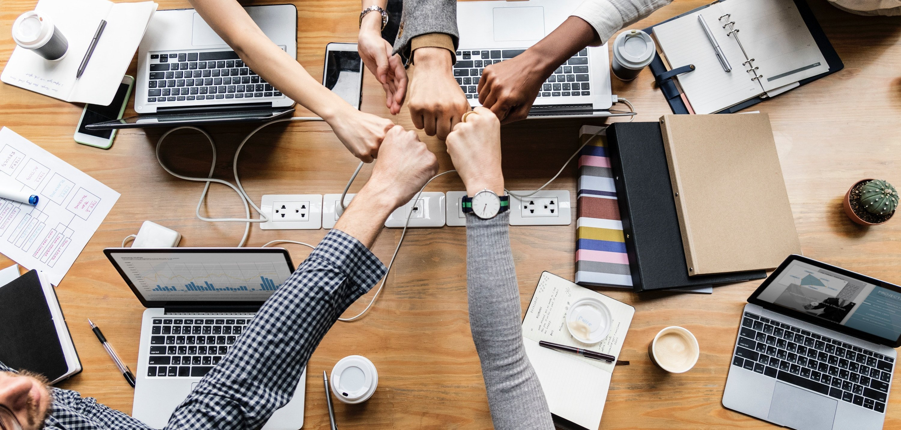 How to invite your team and collaborate on designs featured image