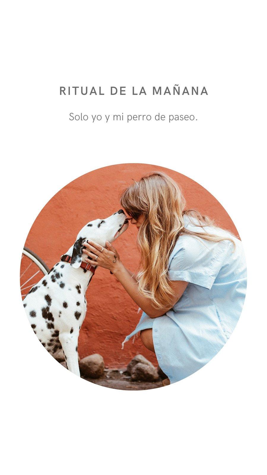 Mujer y Mascota Perro Limpio y Minimalista Historia de Instagram