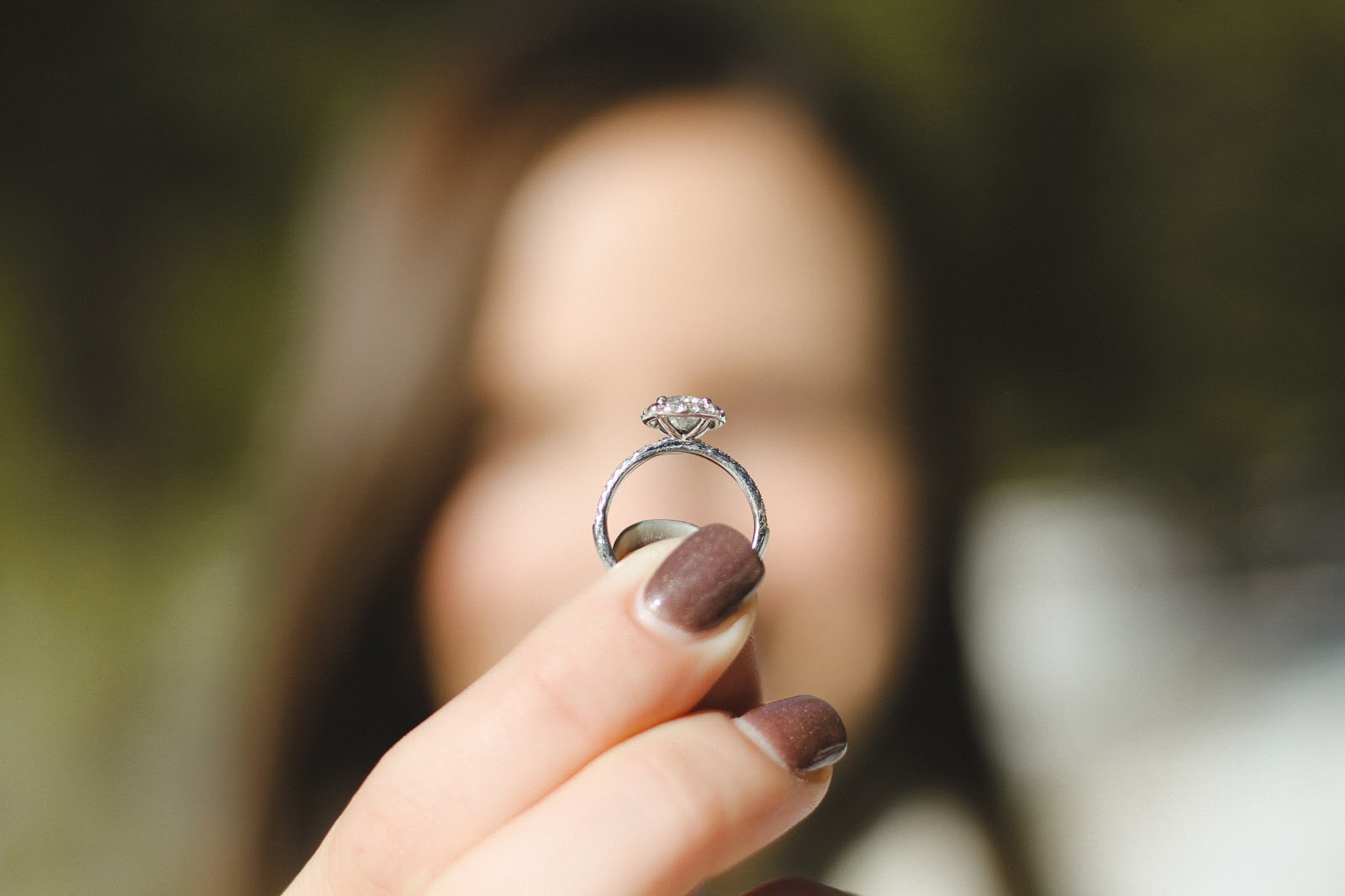 Engagement ring focus